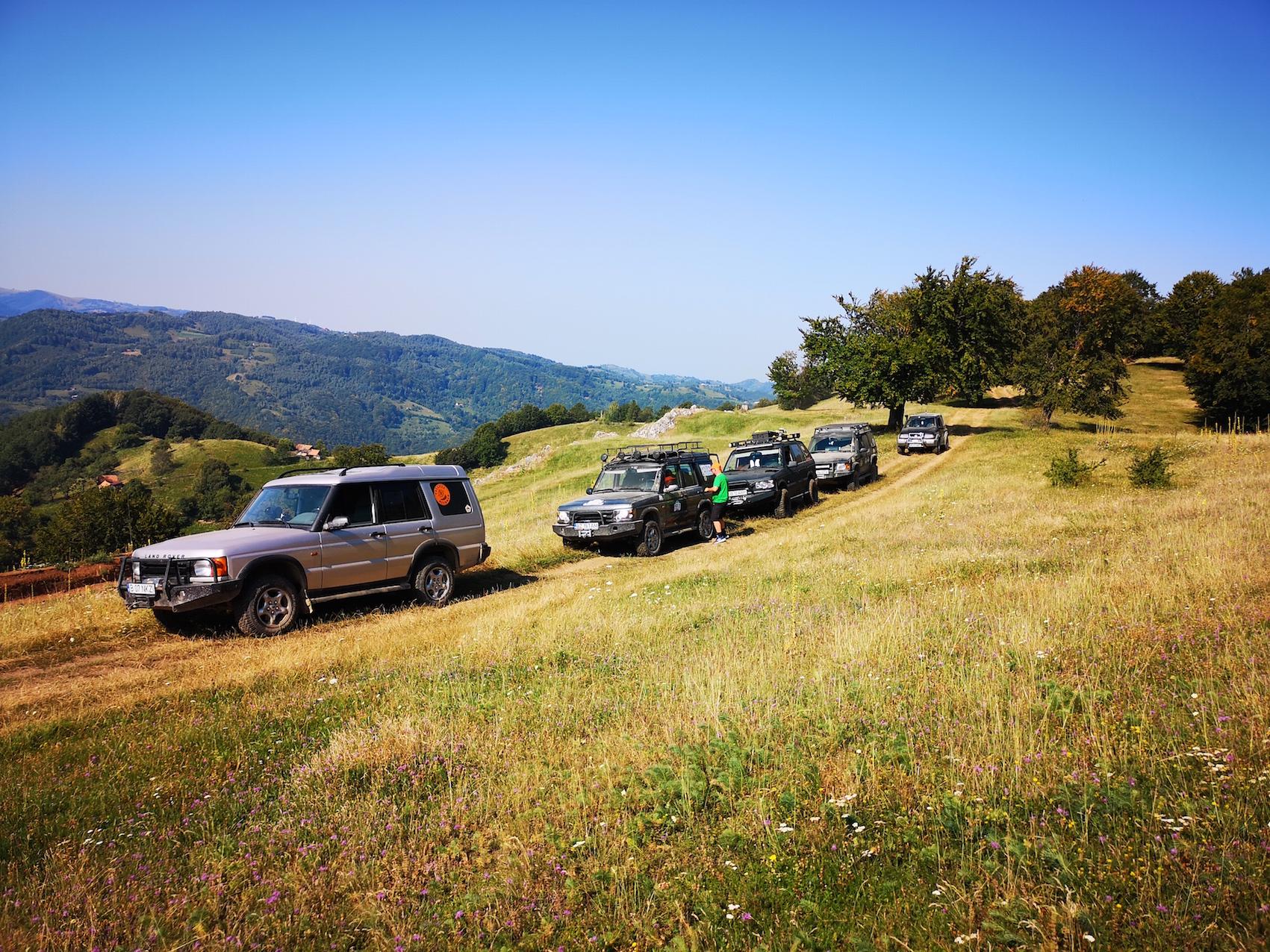 <p>Șureanu by Călăuza Plictisiți de stat acasă? Combinați aventura cu relaxarea și veniți cu noi să traversați Masivul Șureanu de la Căpâlna până la Costești! Înscrie-te Aventură în 4 zile 20-23 iunie 2019 Perioadă 20-23 iunie 2019, cu plecare din Sibiu, ieșirea spre Agnita, ora 9.00. Unde Munții Sebeșului, Masivul […]</p>